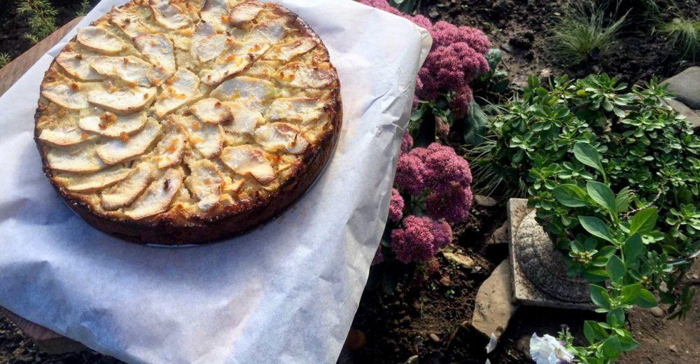 Болонский пирог с полентой и яблоком (bustrengo)