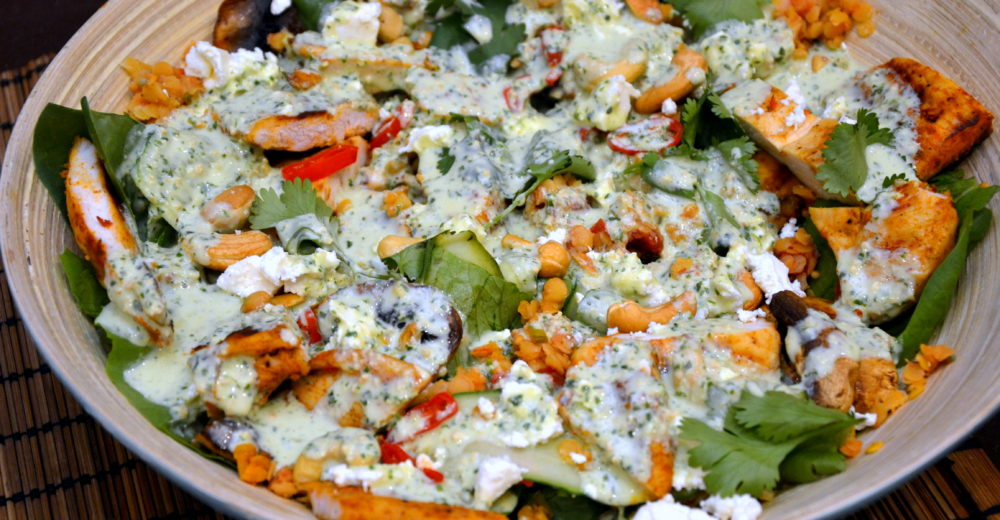 Индийский салат с курицей «Тика»