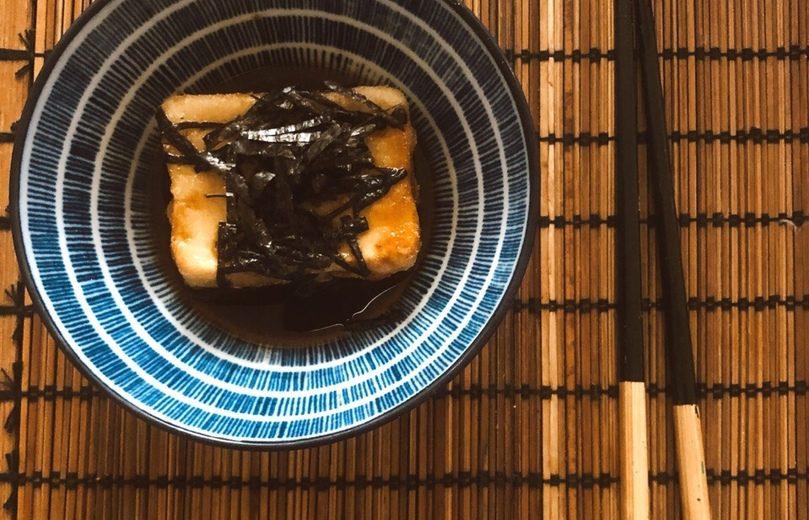 Обжаренный тофу в соусе (агэдаси тофу)
