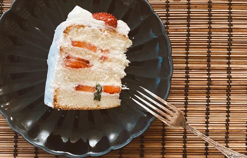 Японский клубничный торт (いちごのショートケーキ)